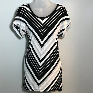 Cable and Gauge Open Back Striped T-Shirt, Sz M